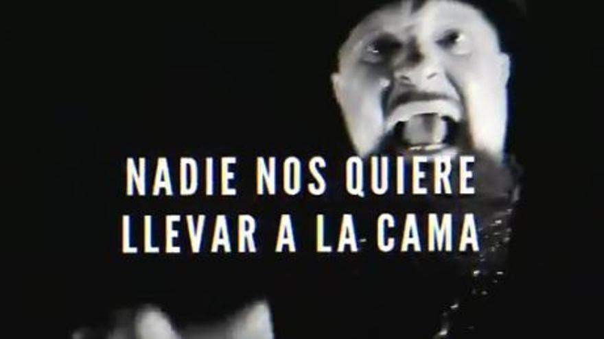 """César Strawberry en la canción contra la supuesta """"mojigatería"""" de la izquierda actual"""
