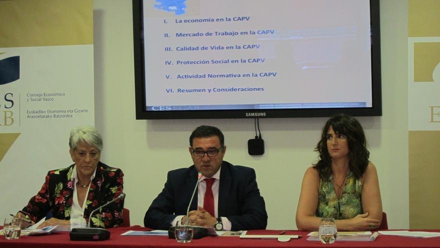 """CES destaca que el """"esfuerzo"""" de Euskadi en protección social, pero aconseja favorecer el """"tránsito"""" de la RGI al empleo"""