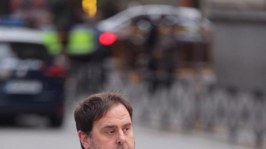 Junqueras sugiere Rovira al ver imposible presidencia efectiva desde Bruselas