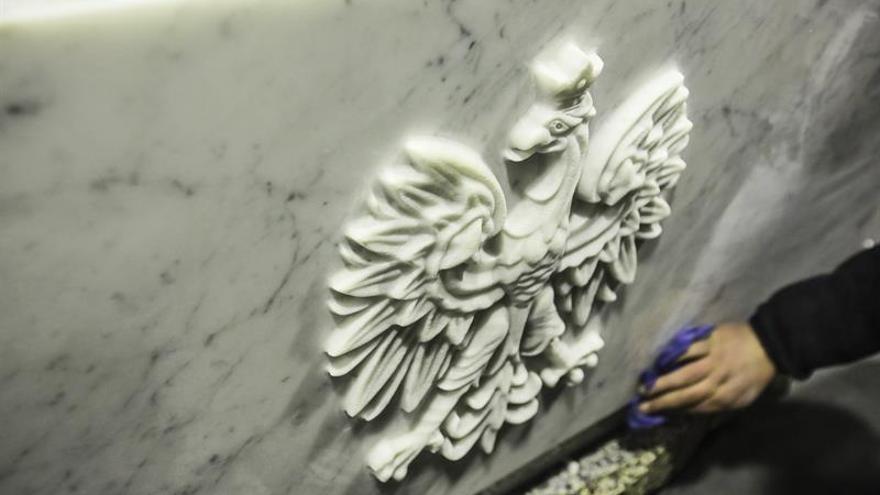 Continúan las exhumaciones de las víctimas de la tragedia de Smolensk