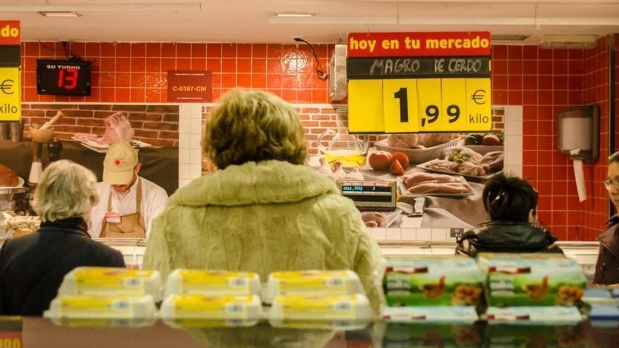 El IPC interanual sube dos décimas en julio, hasta el -0,6%, por el encarecimiento de los alimentos