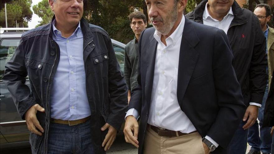 Rubalcaba y Navarro se reúnen con Mas para explicarle su proyecto federal