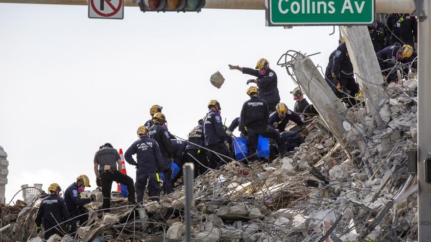 Identifican a 97 víctimas mortales del derrumbe en Miami-Dade