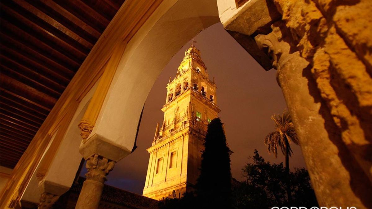 Mezquita de Córdoba por la noche.