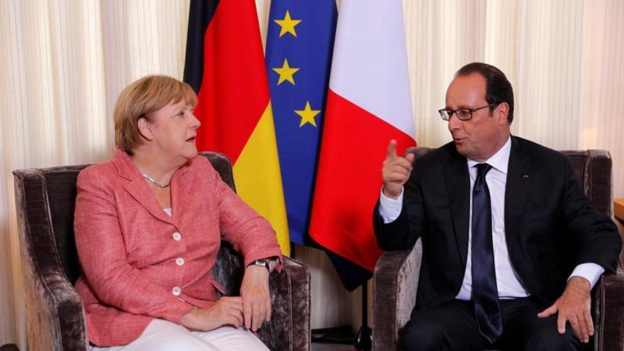 Merkel y Hollande se citan antes de la cumbre europea para coordinar posiciones
