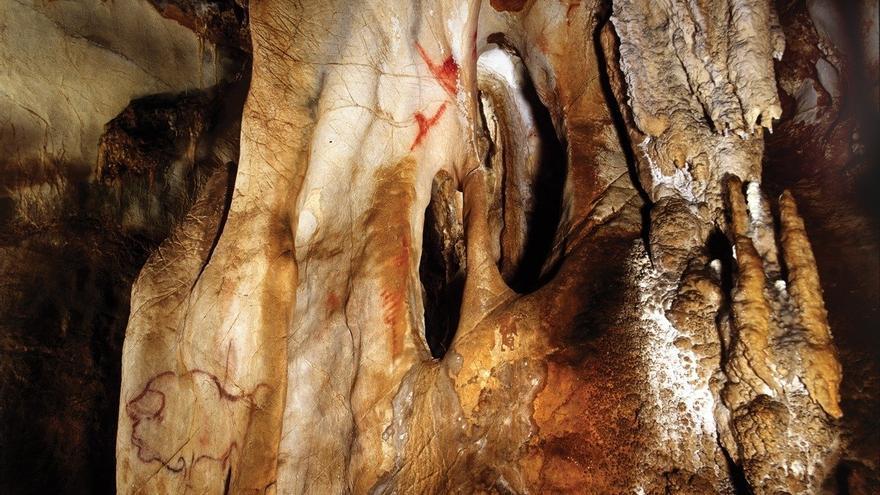 Pinturas rupestres en la cueva de La Pasiega de Puente Viesgo.