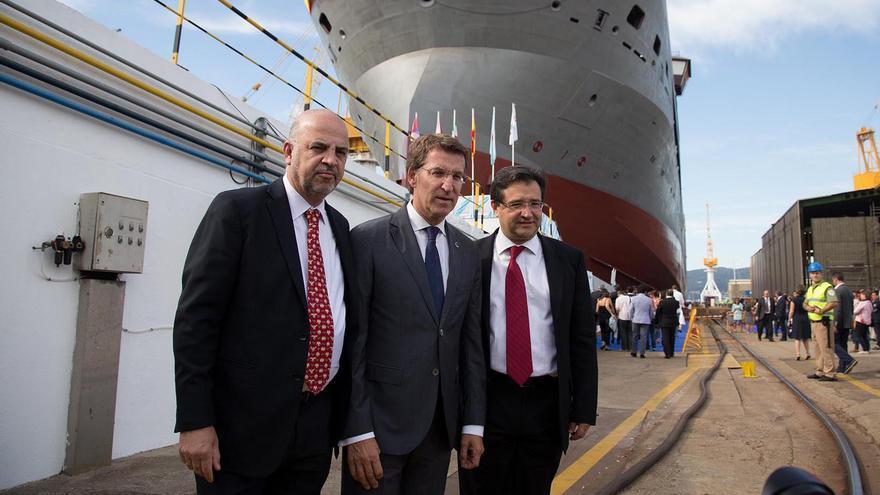 Roa y Carrera Panizzo, con Feijóo en 2015, en la botadura del buque de Pemex construído en el astillero vigués Barreras