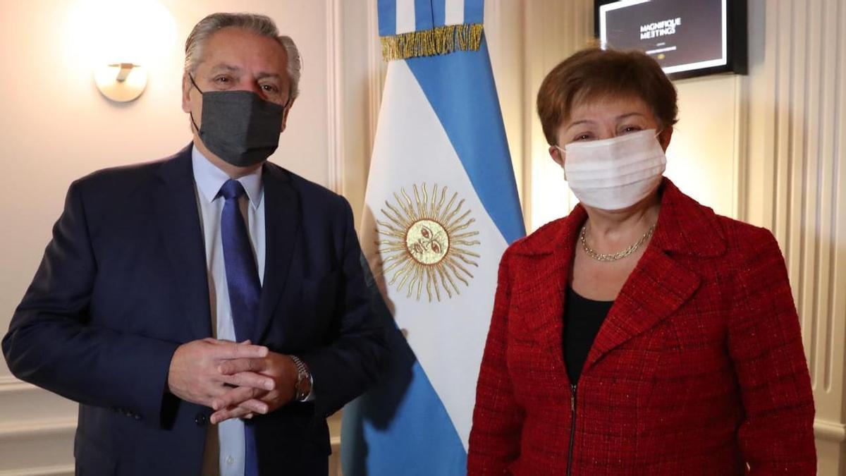 Alberto Fernández junto a Kristalina Georgieva, titular del FMI