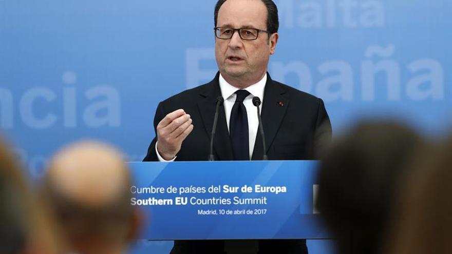 """Hollande considera que la campaña electoral francesa """"huele mal"""""""