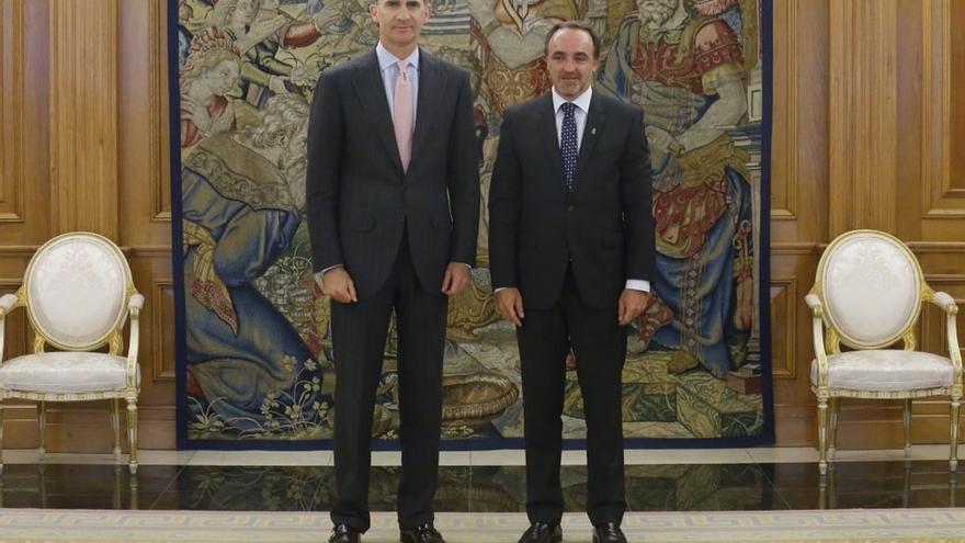"""UPN pide """"cintura"""" y """"flexibilidad"""" a Rajoy para buscar apoyos y al PSOE y Ciudadanos que se dejen de """"zarandajas"""""""