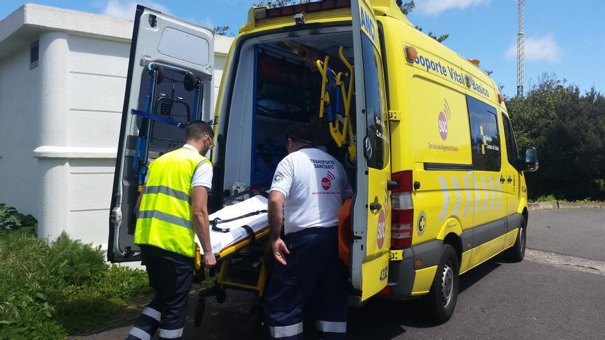 Prácticas de estudiantes de Técnico en Emergencias Sanitarias  en una ambulancia del SUC