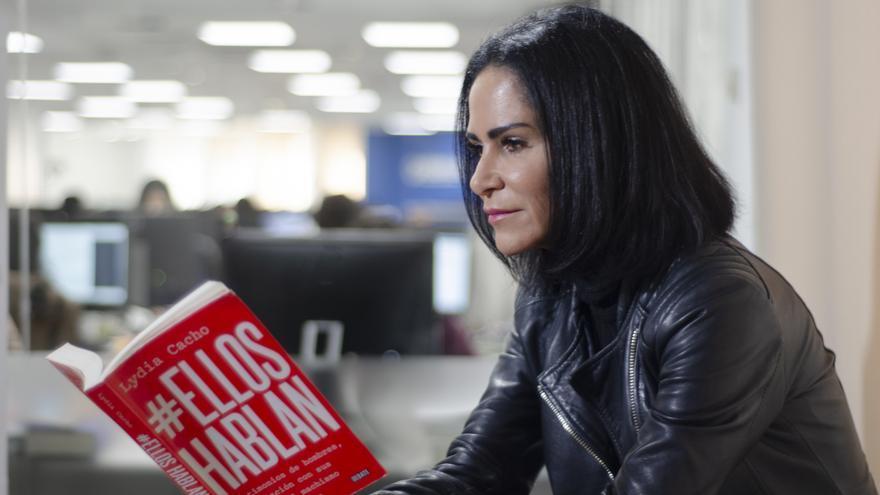 """Lydia Cacho: """"El nuevo feminismo, el más joven, en especial en Latinoamérica, acepta y busca el diálogo con los hombres"""". Lydia Cacho, autora de """"Ellos hablan"""""""