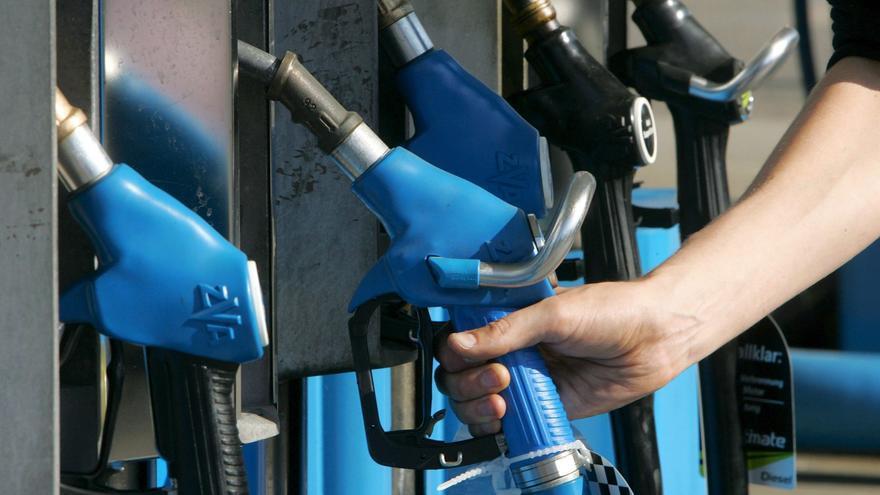 La gasolina y el gasóleo bajan los precios la última semana