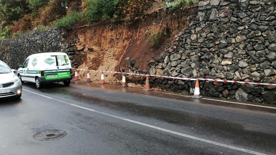 Desprendimiento de un muro de contención de la TF-333, en el municipio Los Realejos.
