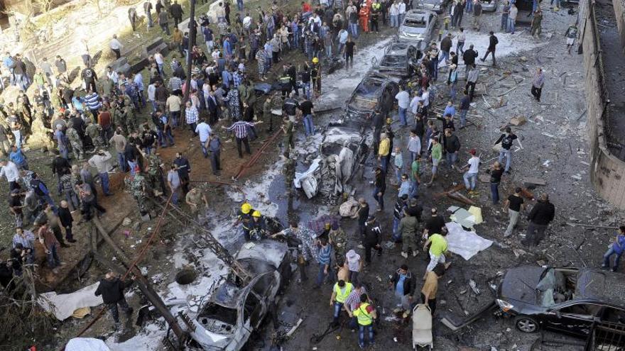 Al menos 3 muertos y 26 heridos al explotar un coche bomba en el Líbano