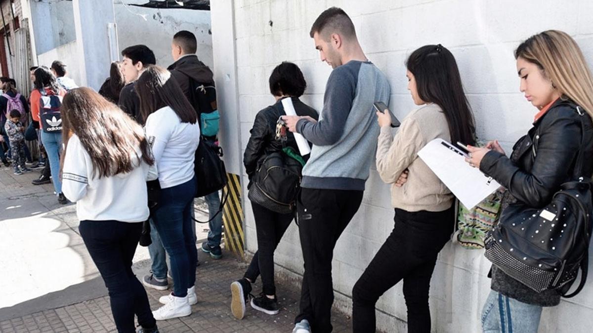 Cerca de 110.000 personas perciben el Seguro de Desempleo, que contempla el cobro de una cifra que puede ir de $7.200 a $12.000.