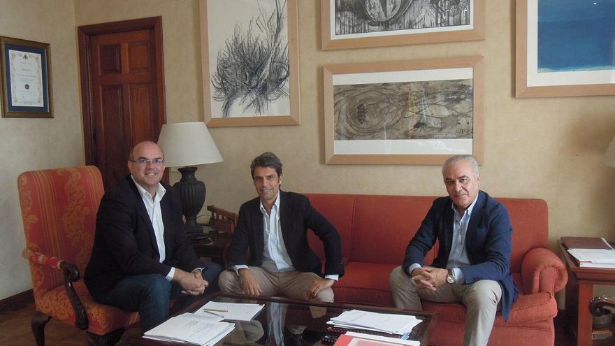 Anselmo Pestana, Enrique Hernández Bento y Miguel Ángel Morcuende.