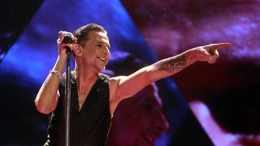 El líder de Depeche Mode, Dave Gahan, durante su actuación
