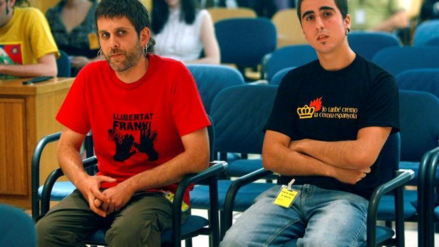 Estrasburgo condena a España por imponer pena de cárcel por quemar una foto de los Reyes