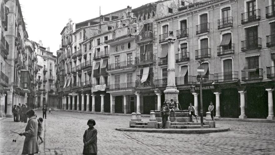 Plaza del Torico de Teruel durante la Guerra Civil
