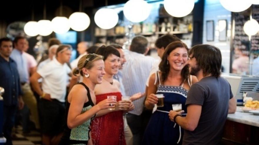 Los bares y restaurantes aumentan sus ventas por primera vez desde agosto de 2011