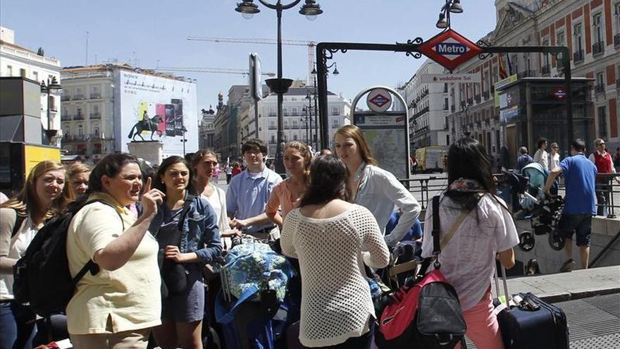 El Ayuntamiento de Madrid estudia crear una tasa al turismo y otra a los cajeros