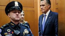 El senador Mitt Romney
