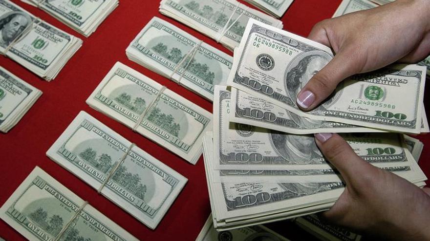 EE.UU. multa a Moody's con 864 millones por inflar las hipotecas basura