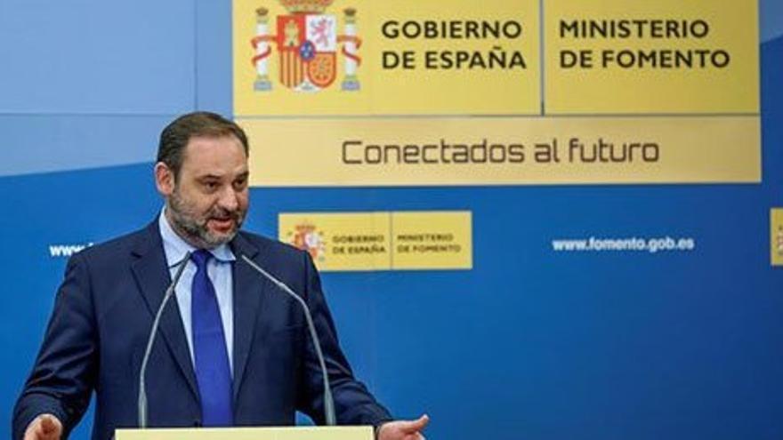 """Fomento incluye el tramo Palencia-Santander como """"complemetario"""" al Corredor Atlántico"""