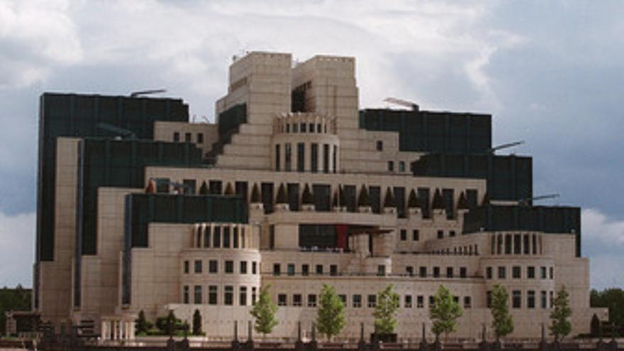 Sede de los servicios de inteligencia exteriores británicos, El MI6