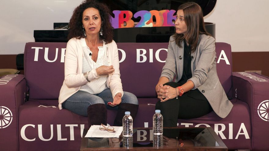 María José Castañeda y Mónica Martín presentan 'La Noche en Blanco' lagunera