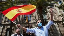 Unos 500 vehículos se unen a la protesta de Vox contra Sánchez en Barcelona