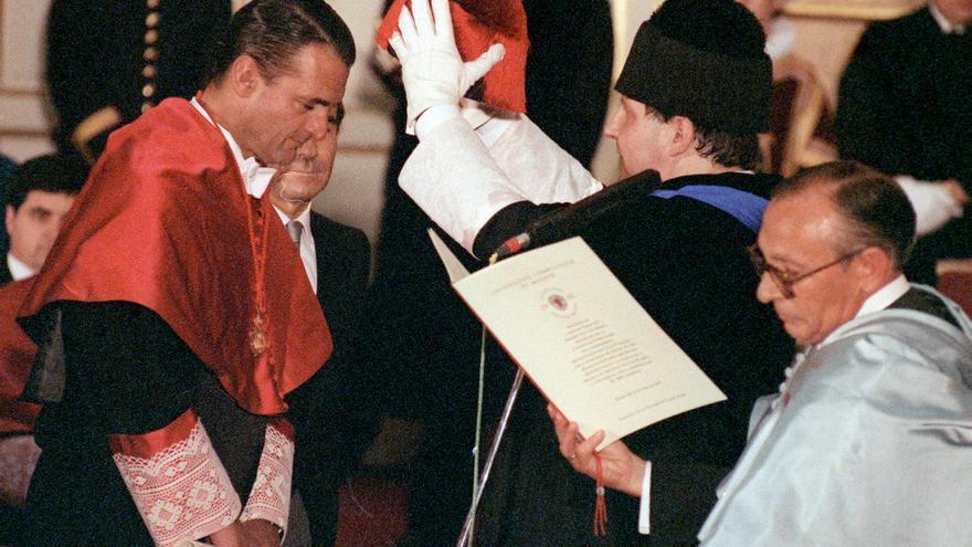 Mario Conde, durante su investidura como doctor Honoris Causa por la Universidad Complutense de Madrid en 1993.