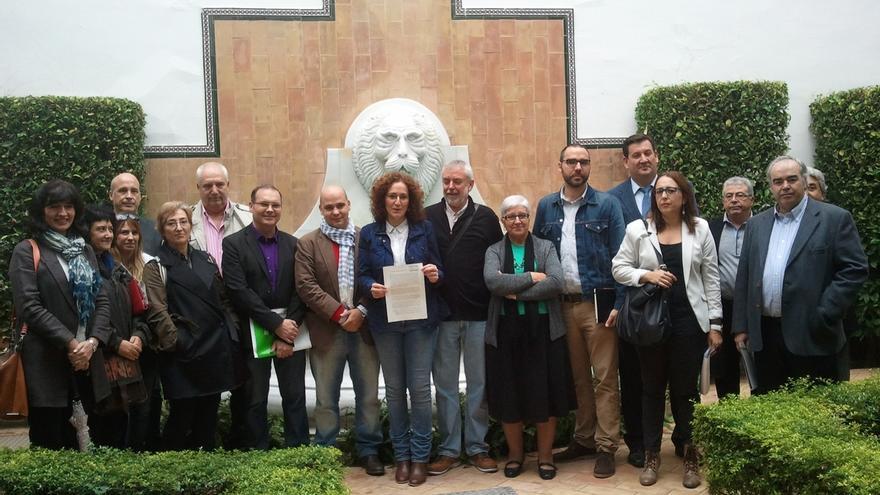 """Organizaciones sociales y sindicales registran una ILP en Parlamento para conformar un """"Sistema andaluz de Renta Básica"""""""