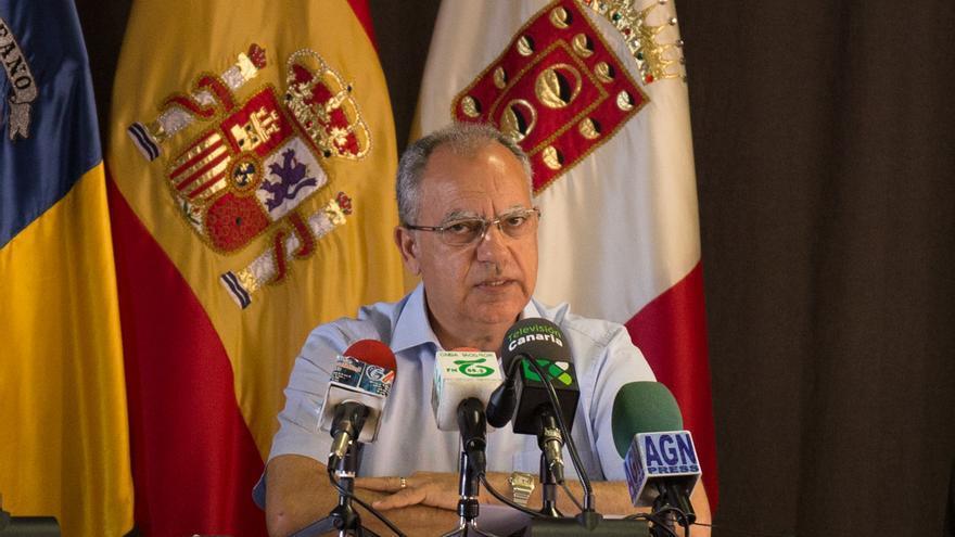 Casimiro Curbelo durante una rueda de prensa