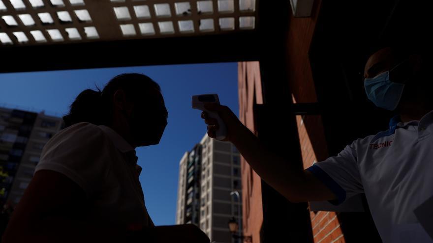Suben los fallecidos por coronavirus y la presión hospitalaria en Madrid