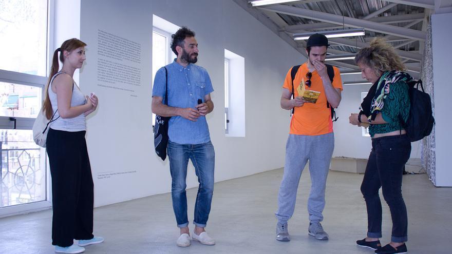Abraham Hurtado y miembros de `Translocality´ en el Centro Párraga / Elisa Reche