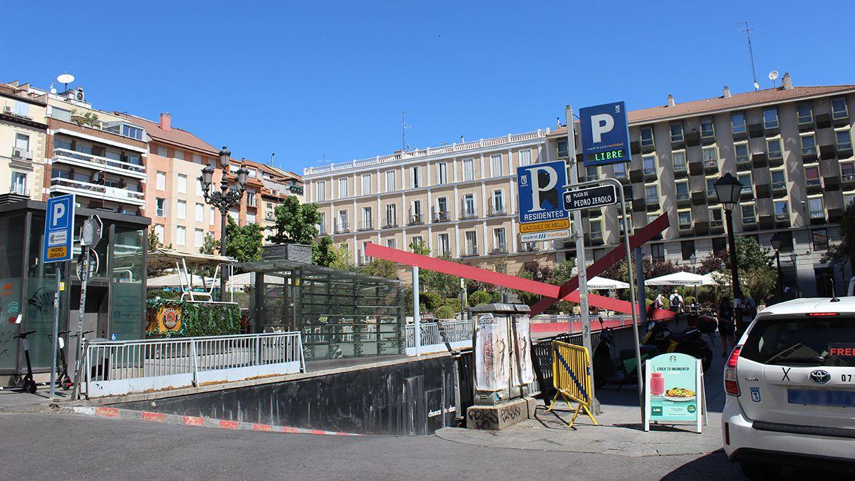La plaza de Pedro Zerolo con la nueva placa | SOMOS CHUECA