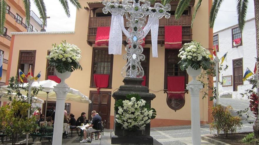 Cruces y mayos #8