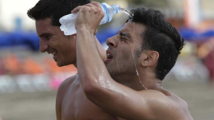 Vicente Gómez y Juan Guerra en la calurosa sesión matutina. (UDLASPALMAS.ES)