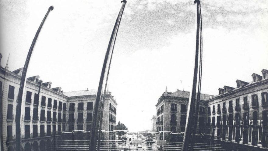Aspecto de la Plaza Porticada en pleno montaje del FIS.