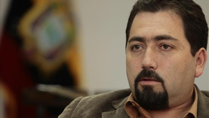 El Defensor del Pueblo ecuatoriano pide una reforma legal en España sobre las hipotecas
