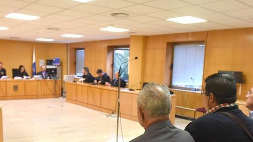 Sala de vistas del juicio seguido contra los areneros en Santa Cruz