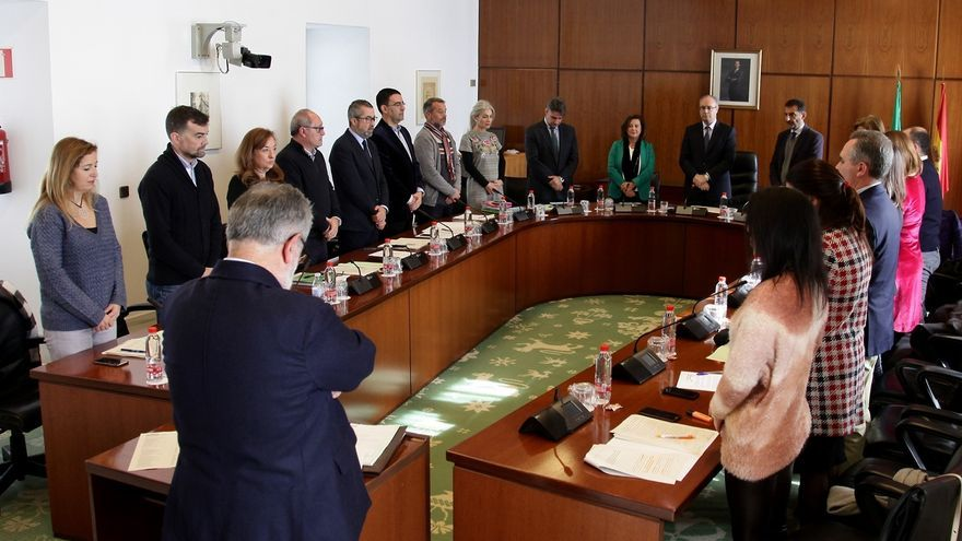 Parlamento convalida el decreto de la Renta Mínima con el apoyo del PSOE-A y Cs y la abstención del PP-A, Podemos e IU