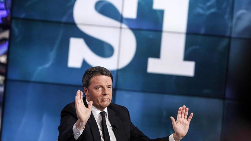 """El referéndum no es """"sobre mí"""", defiende el primer ministro italiano Renzi"""