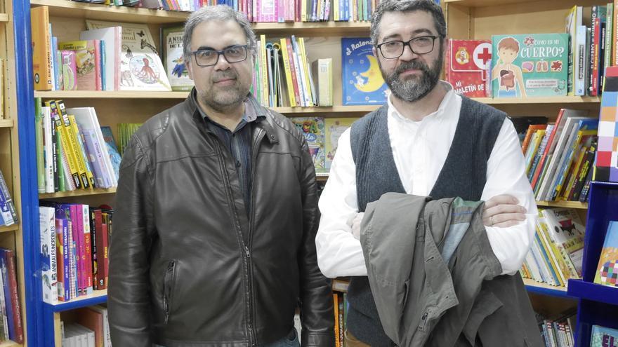 C:\fakepath\4 Fran Nuño autor y librero  y Enrique Quevedo.JPG