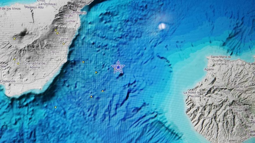 Localización en el mar del epicentro del terremoto sentido este viernes por la población de Tenerife
