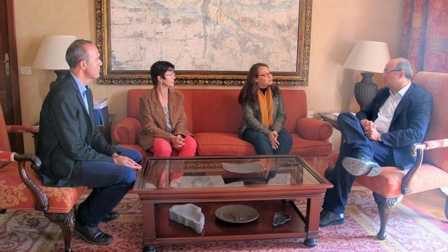 De izquierda a derecha: Raúl Camacho, Ana Castañeda, Loreto Navarrete y Anselmo Pestana.