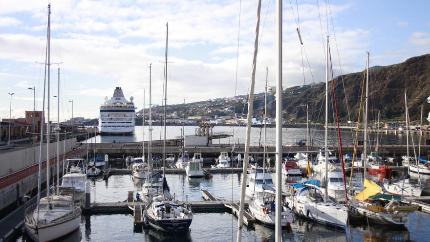 En la imagen, yates en Marina La Palma.