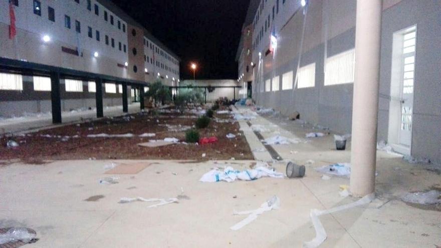 """CSIF-A lamenta la utilización de la cárcel de Archidona como CIE y el """"daño"""" en las instalaciones"""